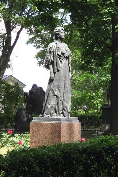 Некрополь Мастеров искусств Александро-Невской Лавры